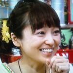 金田朋子の前歯の画像(とても白い歯)