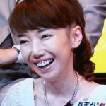 太田光代さんの前歯と歯茎の画像(差し歯・ガミースマイル)