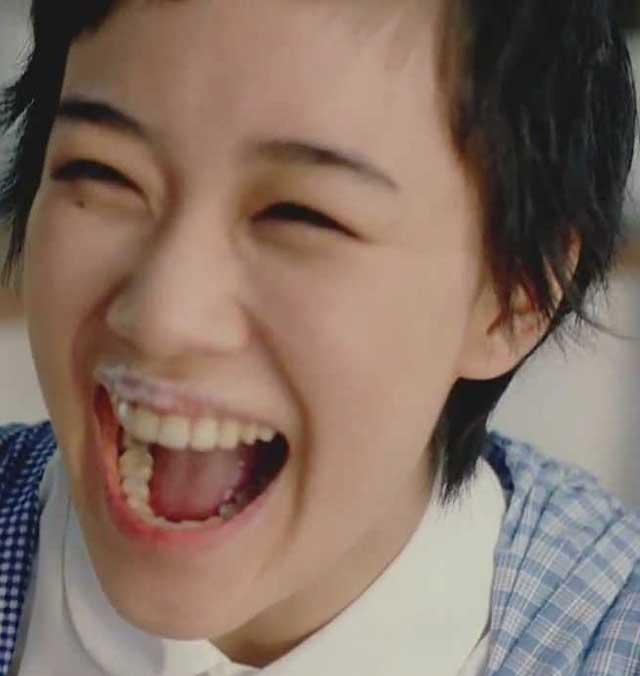 蒼井優 前歯の写真
