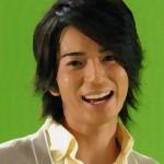 松本潤さんの前歯の画像(前歯治療済み)