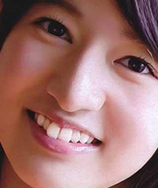 竹内美宥 前歯の写真