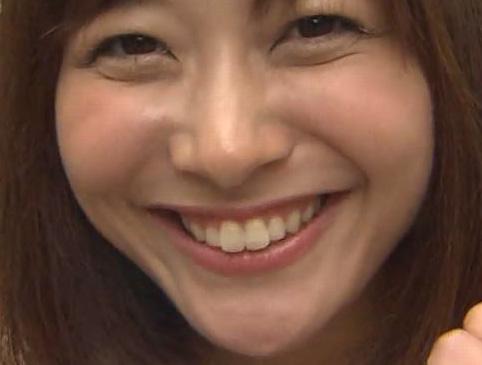 久冨慶子アナウンサーの前歯