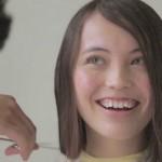井手綾香さんの前歯の画像(ガミースマイル)