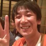 東京03・飯塚悟志さんの前歯の画像(矮小歯)