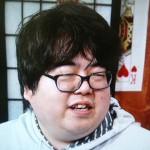瀬戸一樹さんの前歯の画像(八重歯)