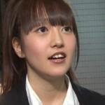 佐藤亜美菜さんの前歯の画像(Vの字)