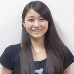 和田彩花さんの前歯や歯並びの写真(八重歯)