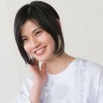 橋本愛さんの前歯の画像(捻転歯は治療済み)