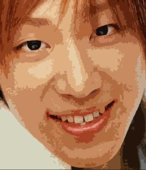 小山慶一郎 すきっ歯