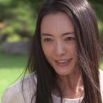 仲間由紀恵さんの前歯の画像(気になる中切歯・銀歯)