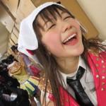 村重杏奈さんの前歯の画像(差し歯)