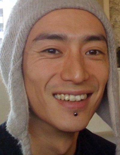 伊勢谷友介の前歯の写真