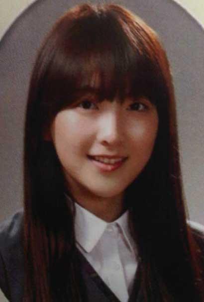 知英(ジヨン) 高校の卒業アルバムの写真