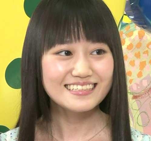 小倉唯 笑顔