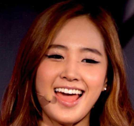 少女時代 ユリ 笑顔
