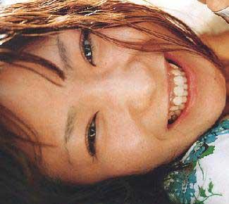 椎名林檎 横向き笑顔