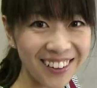 虎谷温子アナ 八重歯