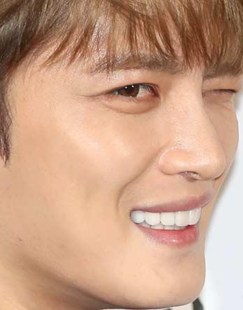 김재중 歯