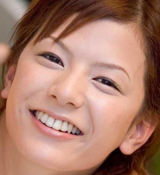 スザンヌ 笑顔