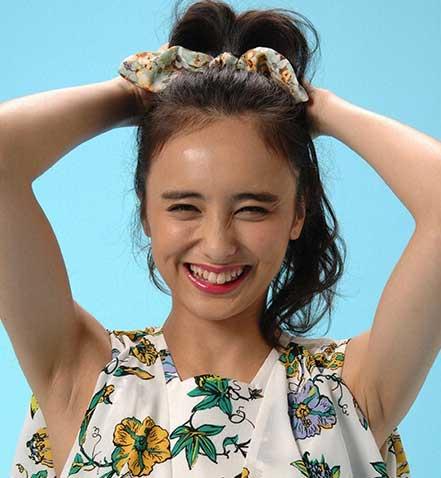 石田ニコル 笑顔