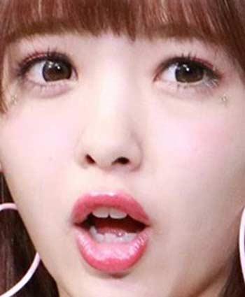 藤田ニコル 下の歯の歯並び