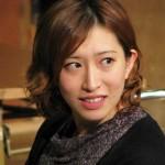 名塚佳織さんの前歯や歯並びを評論