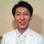 篠井英介さんの前歯や歯並び(八重歯・変色)