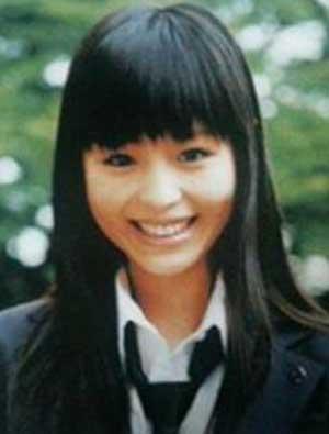 平野綾 卒業アルバムの写真