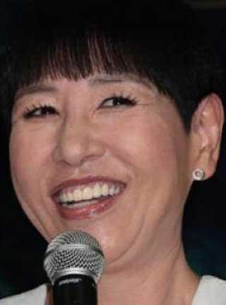 和田アキ子 笑顔 歯