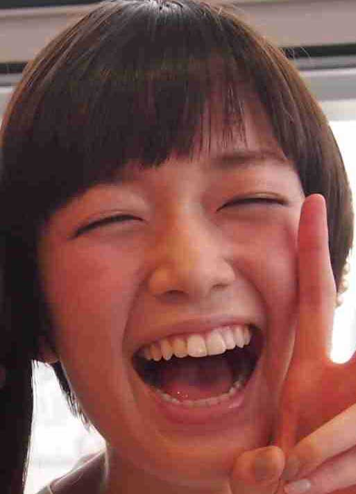 佐藤栞里 笑ってこらえて