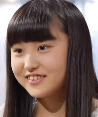 新井乃亜 前歯の写真