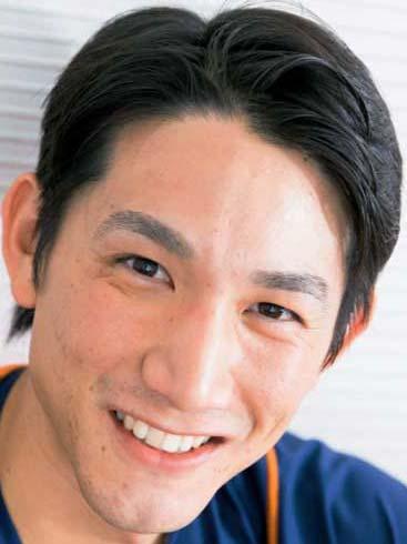小林誠司 前歯の写真