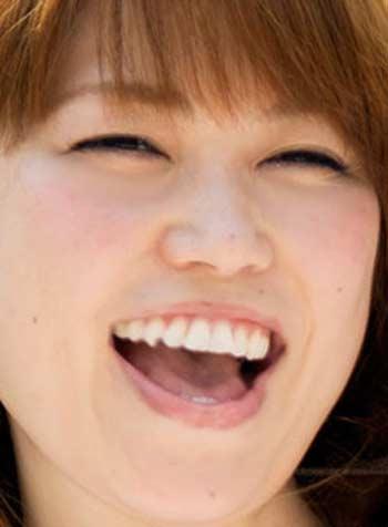 大菅小百合 前歯