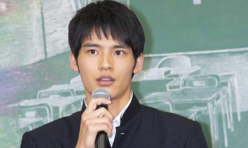 岡田健史 かっこいい