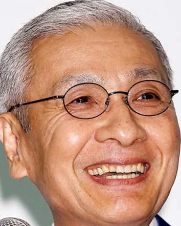 久米宏 前歯